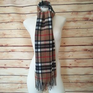 NWOT Plaid wool scarf